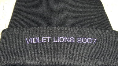 Winterhaube Violet Lions 2007
